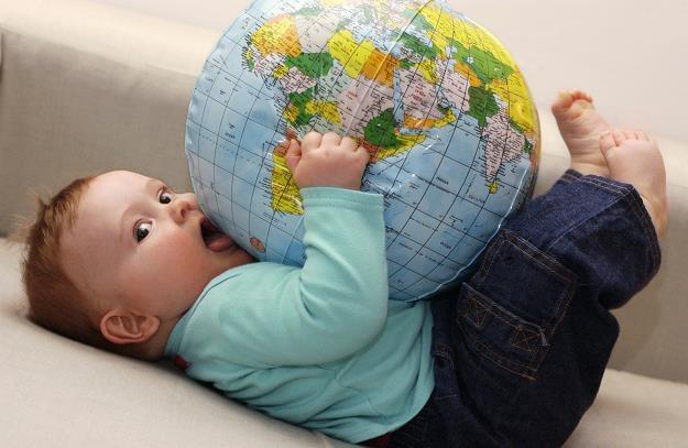 Co dziesiąte dziecko, którego matką jest Polka, przychodzi na świat za granicą /© Bauer