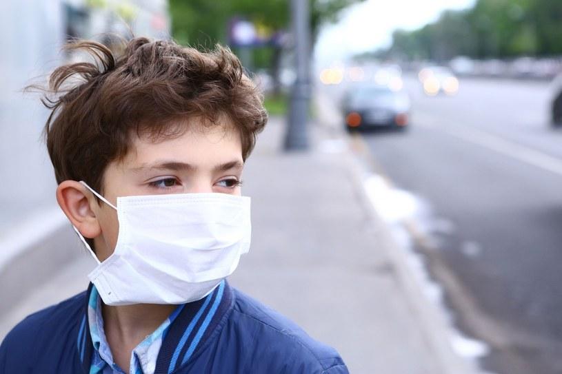 Co dziesiąte dziecko w wieku do piątego roku życia umiera właśnie z powodu zatrutego powietrza /123RF/PICSEL