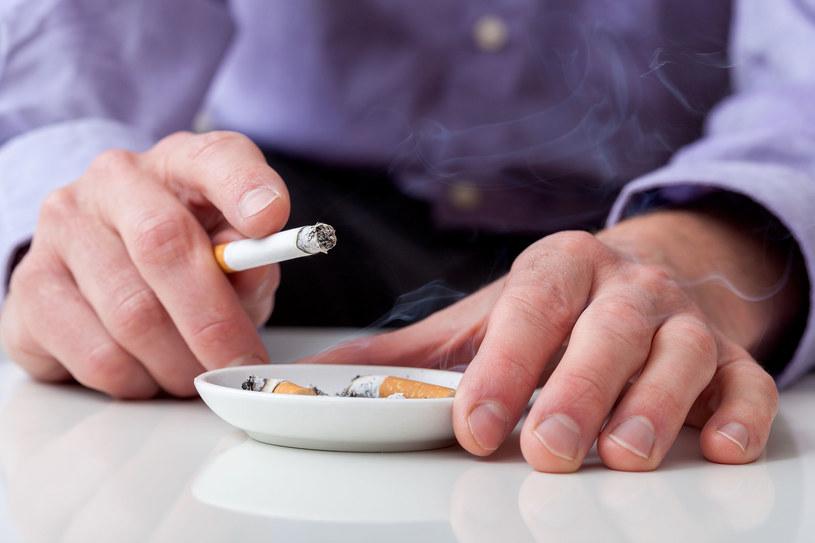 Co dziesiąty papieros wypalany w Polsce pochodzi z nielegalnych źródeł. /123RF/PICSEL