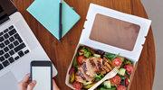 Co i jak jeść w pracy, by nie utyć?