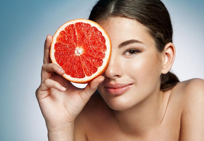 Co jeść, by cieszyć się piękną skórą? /©123RF/PICSEL