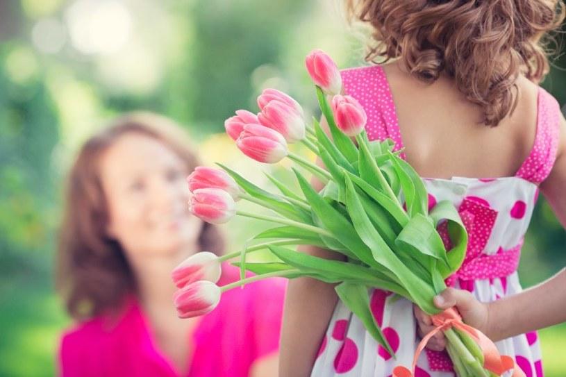 Co kupić mamie na Dzień Matki? /123RF/PICSEL