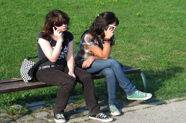 Co ma dla nas znaczenie podczas rozmowy telefonicznej?   fot. Sanja Gjenero /stock.xchng