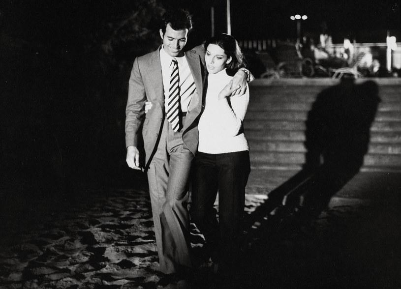 Co mogę poradzić? Kocham dziewczyny jak szalony, odkąd skończyłem 4. rok życia - mówi Julio Iglesias /East News