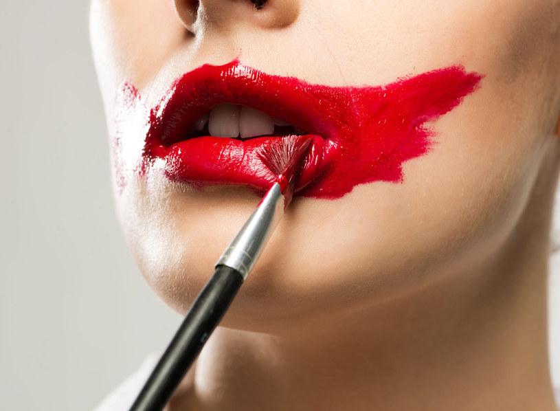 Co mówi o nas kolor szminki, który nakładamy? /123RF/PICSEL