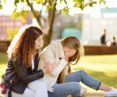 Co może pójść źle w mediach społecznościowych – przypadek sextingu
