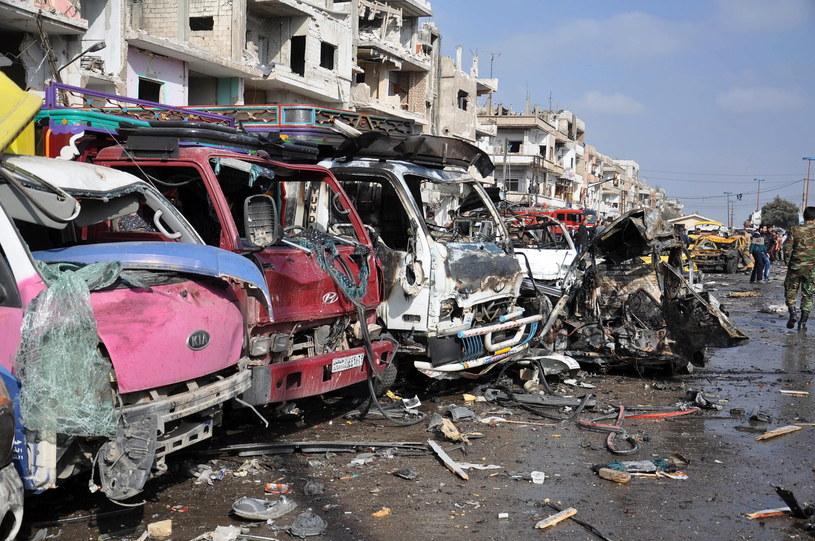 Co najmniej 142 osoby zginęły w niedzielę w serii zamachów bombowych w Damaszku i Hims /EPA/STR /PAP/EPA