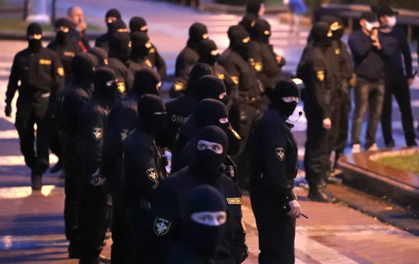 Co najmniej 270 osób zatrzymała milicja podczas protestu w centrum Mińska /TATYANA ZENKOVICH  /PAP/EPA
