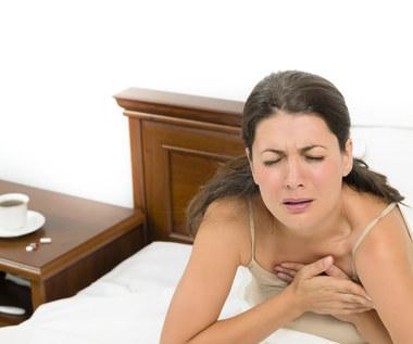 Co oznacza ból mostka?