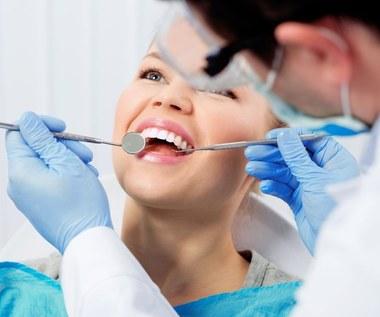 Co robić po wyrwaniu zęba, żeby uniknąć powikłań?