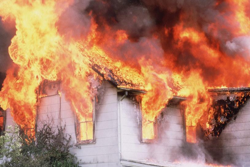 Co roku na skutek pożarów w naszym kraju ginie około 500 osób /© Glowimages