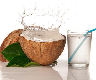 Co się stanie, jeśli przez tydzień będziesz pił wodę kokosową