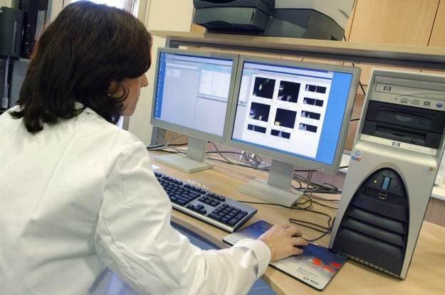 Co stanie się, kiedy cyberprzestępcy rozpoczną zmasowany atak na sprzęt medyczny? /AFP