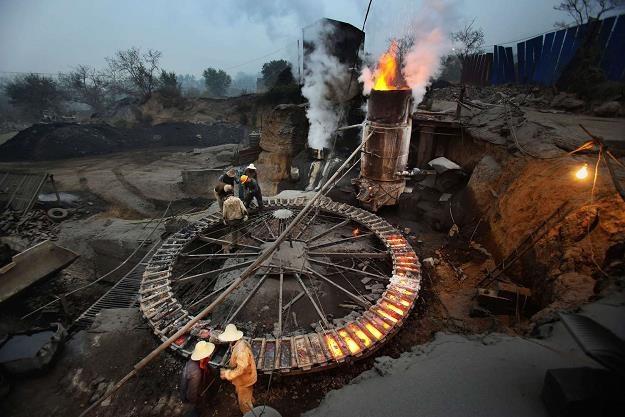 Co stanie się z chińskim hutnictwem i unijną polityką klimatyczną? /AFP