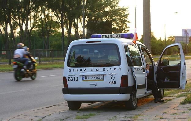 Co wolno straży? Np. tak kontrolować prędkość / Fot: Stanisław Kowalczuk /East News