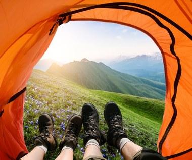 Co zabrać na wakacje pod namiot?