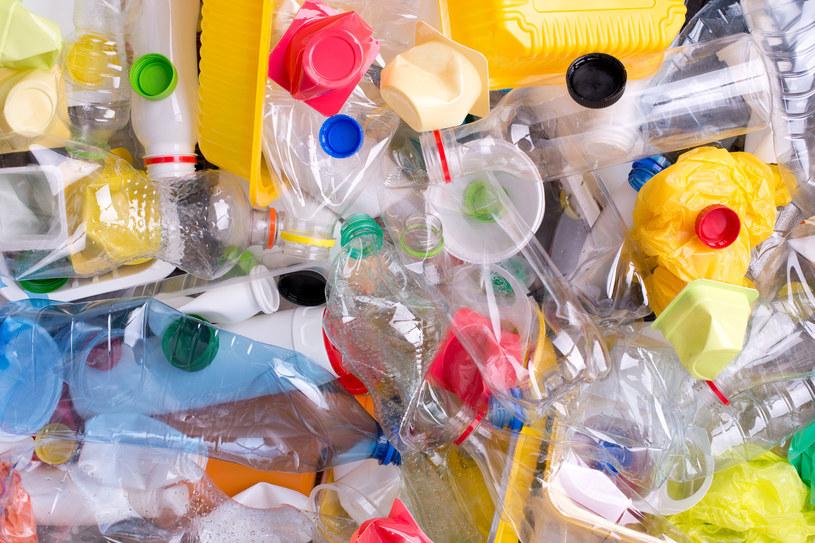 Co zastąpi plastik? /123RF/PICSEL