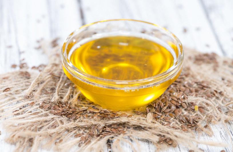Co zawiera olej lniany? /©123RF/PICSEL