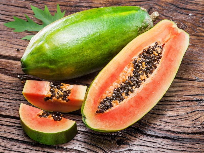 Co zawiera papaja? /©123RF/PICSEL