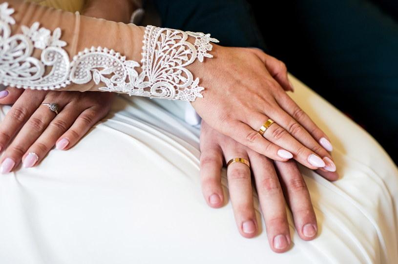 Co ze ślubami w obliczu koronawirusa? /Daniel Dmitriew /Agencja FORUM