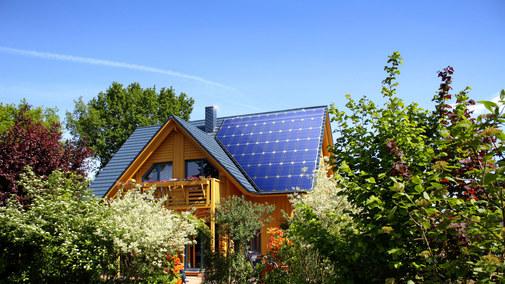 """Co zmieni """"Mój prąd"""", czyli 5 tys. zł dopłaty do paneli słonecznych? Policzyliśmy"""