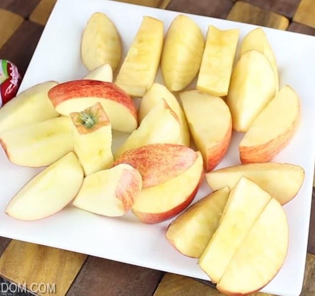 Co zrobić aby jabłka nie ciemniały /© Photogenica