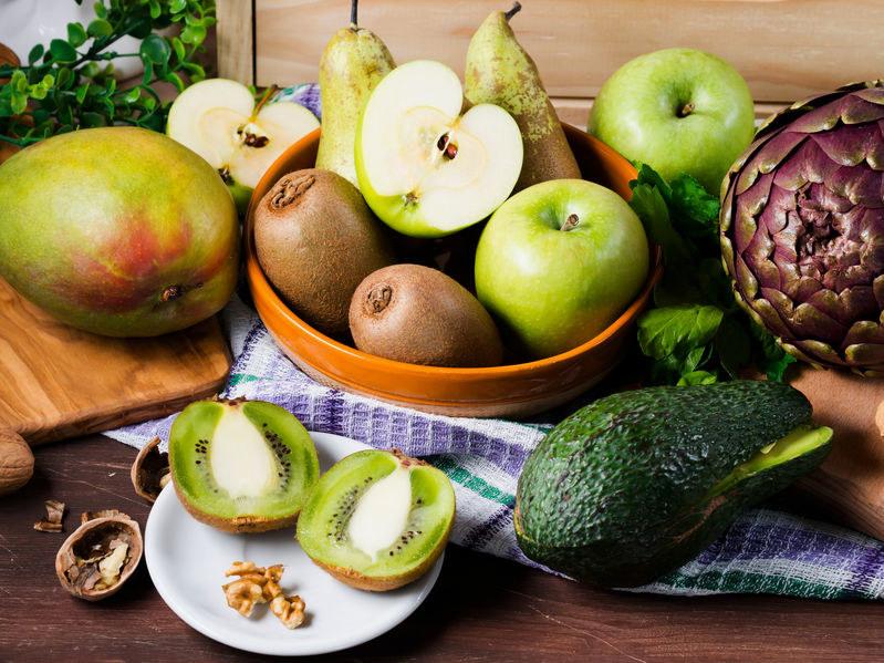 Co zrobić, by owoce i warzywa były dłużej świeże? /123RF/PICSEL