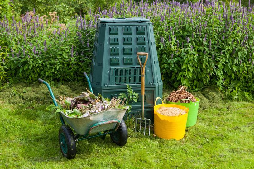 Co zrobić, by przyspieszyć proces kompostowania? /123RF/PICSEL