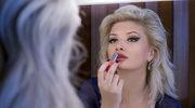 Co zrobić, by szminka przetrwała na ustach całą noc?