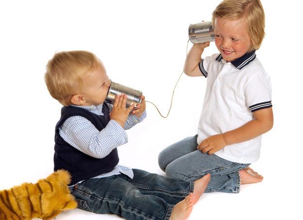 Co zrobić, gdy dwulatek nie mówi? /123RF/PICSEL