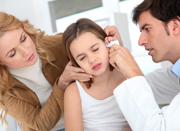 Co zrobić gdy infekcje uszu nawracają? /123RF/PICSEL