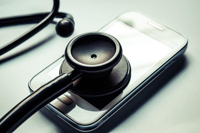 Co zrobić, jeśli mamy wirusa na smartfonie? /123RF/PICSEL