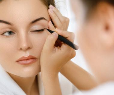 Co zrobić, żeby eyeliner się nie rozmazywał?