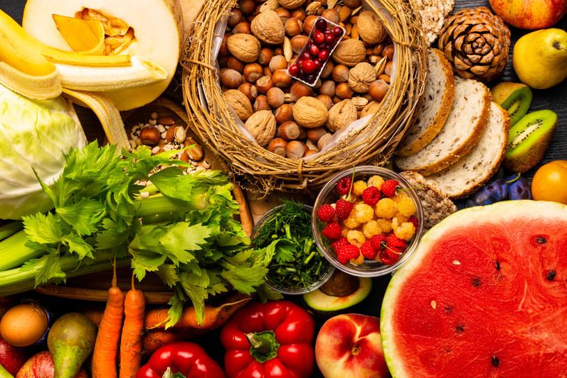 Co zrobić, żeby włączyć do diety więcej błonnika? /123RF/PICSEL