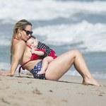 Coco Austin w bikini. Wybrała się z córką na plażę