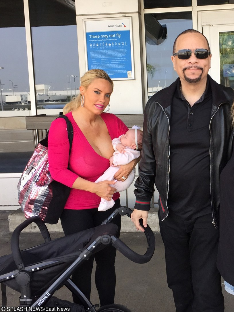 Coco Austin z córeczką i mężem /East News