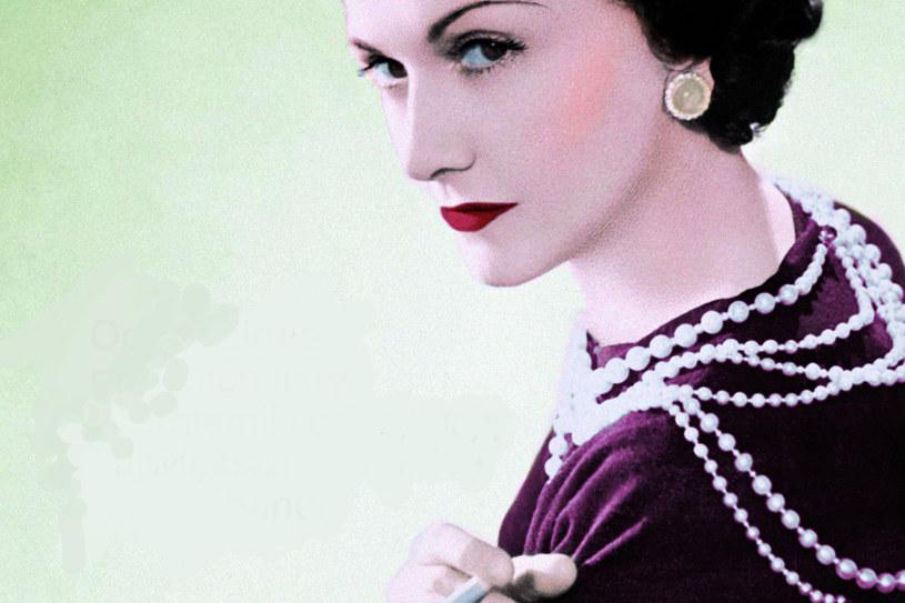 Coco Chanel dzięki mężczyznom wydostała się ze społecznych nizin. Oni także stali się jej główną inspiracją w projektowaniu mody /Wydawnictwo Znak