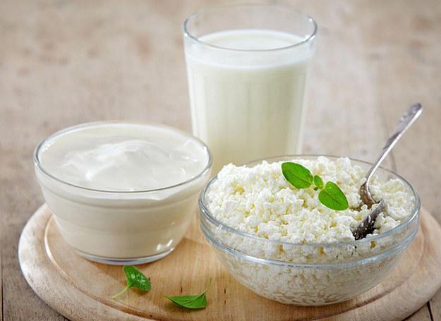 Codzienna porcja mleka to skarbnica składników, które dodają dziecku sił, wzmacniają jego organizm i wspomagają prawidłowy rozwój. /123RF/PICSEL