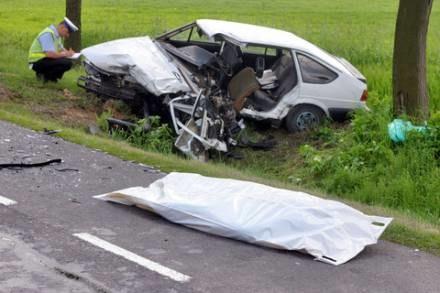 Codziennie w wypadkach drogowych giną ludzie/fot. T. Zieliński /Agencja SE/East News
