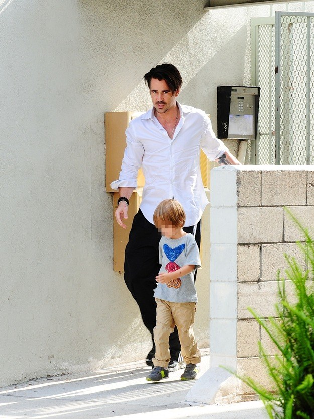 Colin na spacerze z synem /- /Agencja FORUM