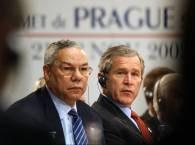 Collin Powell i George Bush podczas praskiego szczytu /RMF24.pl