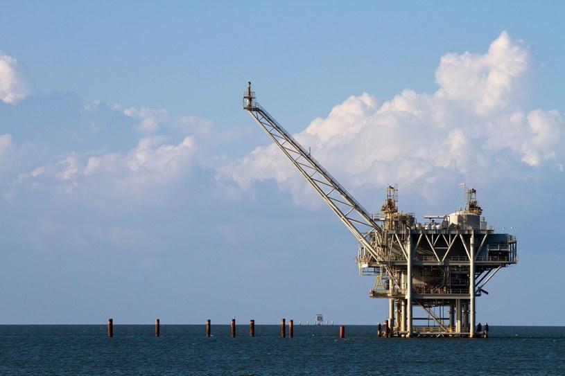 Colonial Pipeline dostarcza paliwa z południa USA. Na zdj. wydobycie ropy w Zatoce Meksykańskiej /123RF/PICSEL