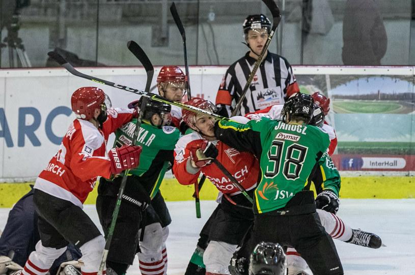 Comarch Cracovia i JKH GKS Jastrzębie w walce o mistrzostwo Polski w hokeju na lodzie /Anna Kaczmarz /East News