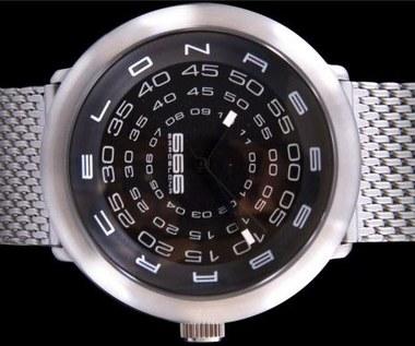 Concentric - zegarek najeżony liczbami