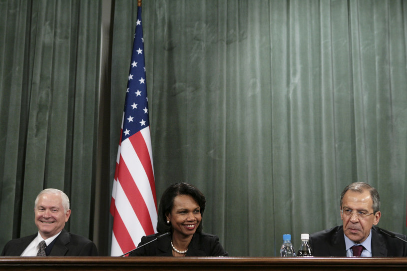 Condoleezza Rice i Robert Gates na konferencji z Siergiejem Ławrowem; zdj. archiwalne /NATALIA KOLESNIKOVA / AFP /AFP