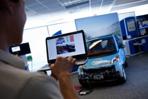 """Connected Car - """"internetowy"""" samochód opracowany przez Intela /Media2"""