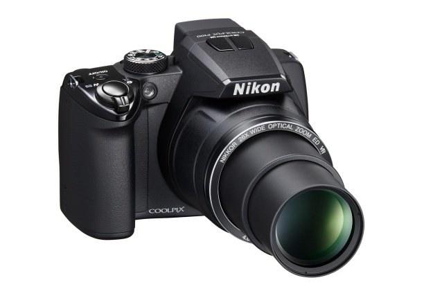 Coolpix P100 wyposażony został w obiektyw z 26-krotnym zoomem optycznym /materiały prasowe