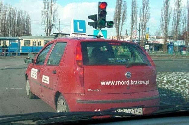 Coraz mniej osób zdaje na prawo jazdy /INTERIA.PL