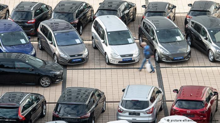 Coraz trudniej sprowadzić auto z Niemiec /picture-alliance/dpa/S. Gollnow /Deutsche Welle