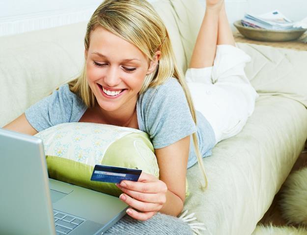 Coraz więcej branż odchodzi od gotówki. Płatności online są wygodniejsze /© Panthermedia